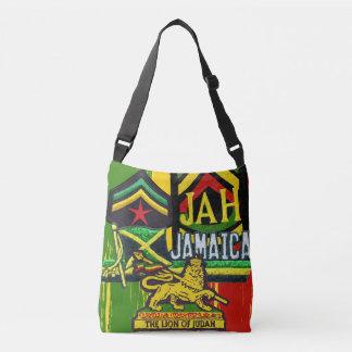 ReggaeSteppers Rasta Tasche kreuzen vorbei