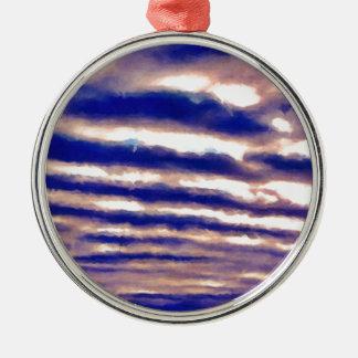Reihen der Wolken Rundes Silberfarbenes Ornament