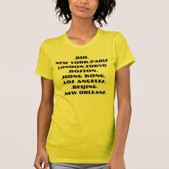 Reisend-Spitze durch Basri und Avon T-Shirt