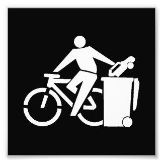 Reiten Sie ein Fahrrad nicht ein Auto Fotodruck
