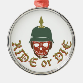 Reiten Sie oder die Pickelhaube Silbernes Ornament