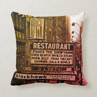 Restaurant-Sechzigerjahre Foto Chicagos Blackhawk Zierkissen