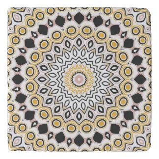 Retro Art-Senf-gelbes und schwarzes Medaillon Töpfeuntersetzer