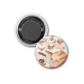 Retro Dame Paris des Bäckereikuchen-Gebäcks Runder Magnet 3,2 Cm