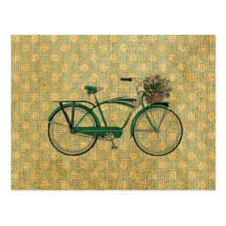 Retro grünes Fahrrad mit Blumen-Korb Postkarte