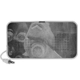 Rétro machine affligée par gris rêveur vintage haut-parleur ordinateur portable
