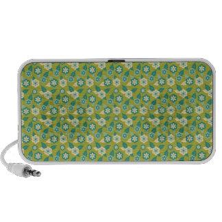Rétros fleurs sur le vert haut-parleur portable