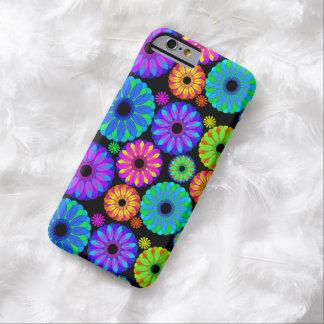 Rétros motifs de fleur colorés sur l'arrière - coque iPhone 6 barely there