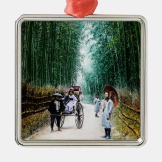 Rickshaw auf der Straße nach Kyoto Japan Vintag Quadratisches Silberfarbenes Ornament