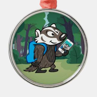 Ricky Raccoon | Boomer Badger Selfie Rundes Silberfarbenes Ornament