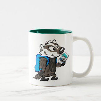 Ricky Raccoon | Boomer Badger Selfie Zweifarbige Tasse