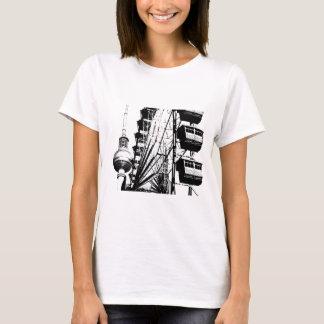 Riesenrad mit Berlin Fernsehturm, Alex T-Shirt