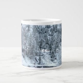 "Riesige Tasse ""Winter-Tag bei Yellowstone """