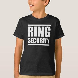 Ring-Sicherheits-Jungen, die Shirt wedding sind
