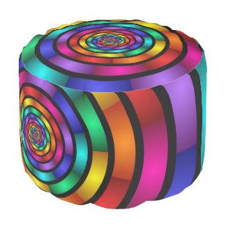 Ringsum und psychedelische bunte moderne hocker