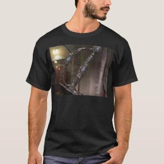 Ritter-Rüstungs-Sammlung: Silberner Dolch T-Shirt