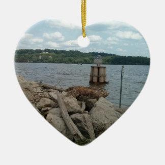 Riverwalk Dubuque Iowa Fluss Mississipi Keramik Herz-Ornament