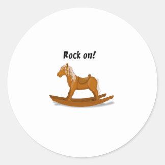 Roche sur l'illustration de cheval de basculage adhésif rond