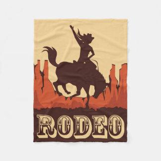 Rodeo-Cowgirl und Pferd Fleecedecke