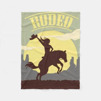 Rodeo-Cowgirl-und Pferdesonnenuntergang Fleecedecke
