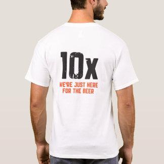 Rohe Orange der Gruppen-10X auf weißem T-Shirt