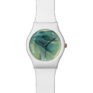 Romantische Blume in den blauen Tönen Uhr