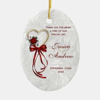 Romantische Rose, Goldherz u. rotes Band Ovales Keramik Ornament