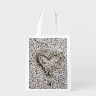 Romantisches Herz im Sand Einkaufstasche