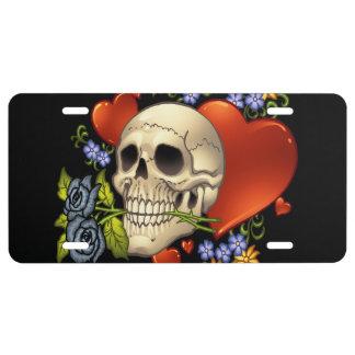 Romantisches Schädel-Skelett mit Herzen und Blumen US Nummernschild