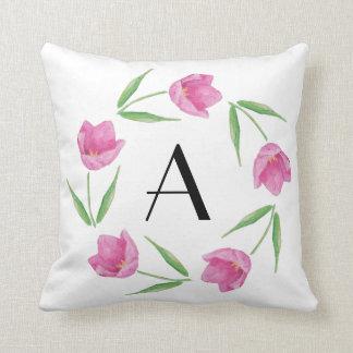 Rosa Aquarell-Tulpen, die Initiale gestalten Kissen