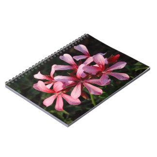 Rosa Blumen-Foto-Notizbuch (80 Seiten B&W) Spiral Notizblock