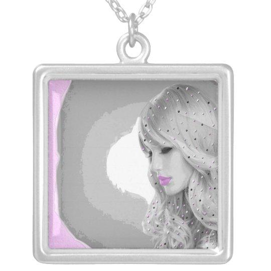 Rosa Engel Halskette Mit Quadratischem Anhänger