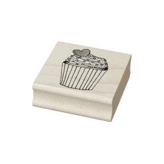Rosa Herz-kleiner Kuchen besprüht Gummistempel