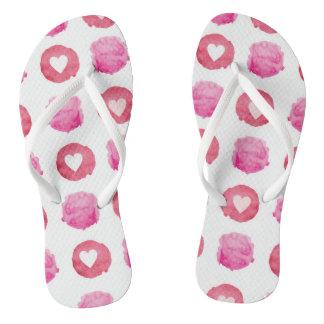 Rosa Herzen drehen Reinfälle um Flip Flops