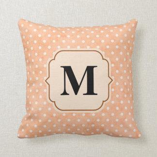 Rosa Kissen personalisiert mit Buchstaben