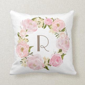 Rosa Pfingstrosen-BlumenKranz-Monogramm-Kissen Kissen