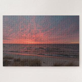 Rosa Sonnenuntergang im Dezember auf Michigansee