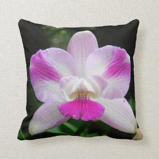 Rosa und weißes Orchideen-Kissen Kissen