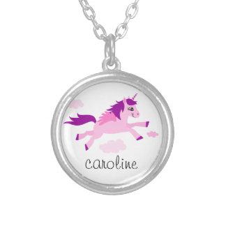 Rosa Unicorn mit personalisiertem Namen der Flügel Halskette Mit Rundem Anhänger