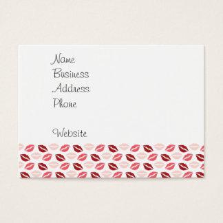 Roses rouges m'embrassent des cadeaux de cartes de visite