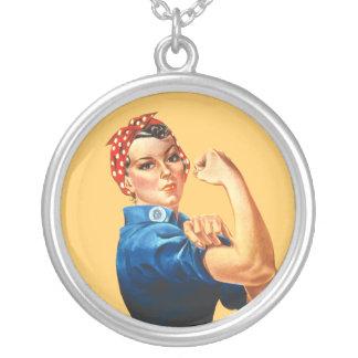 Rosie die Nieteneinschläger-Halskette Versilberte Kette