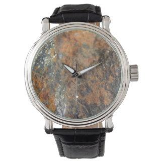 Rost-graues Weiß-Mineral-Beschaffenheit Uhr