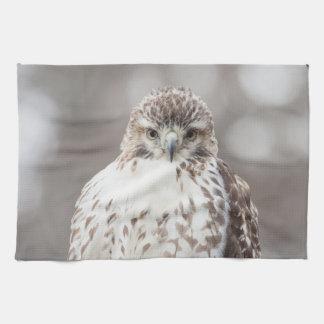 Rot angebundener Falke Handtuch