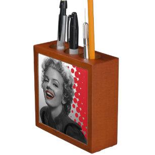 Rot punktiert Marilyn Stifthalter