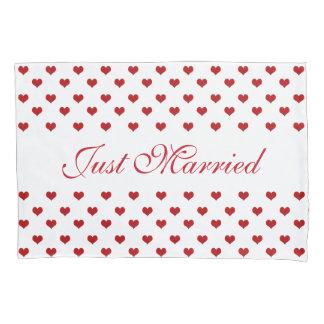 Rote Herz-Muster-gerade verheiratete Hochzeit Kissenbezug