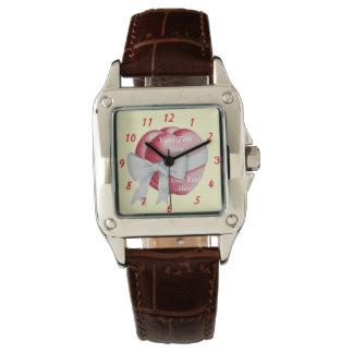 rote Herzen mit ursprünglicher Kunst des weißen Uhr