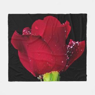 Rote Hochzeits-Rose Fleecedecke