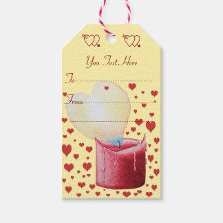 rote Kerze der geformten Flamme des Herzens malend Geschenkanhänger