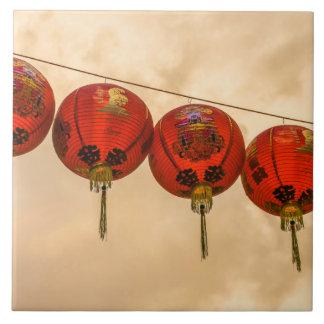 Rote Laternen in der Chinatown-Keramik-Fotofliese Keramikfliese
