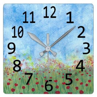 Rote Mohnblumen in den Feld-Aquarell-Malerei-Uhren Quadratische Wanduhr